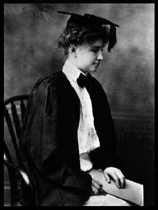 Helen Keller czytająca brajlem